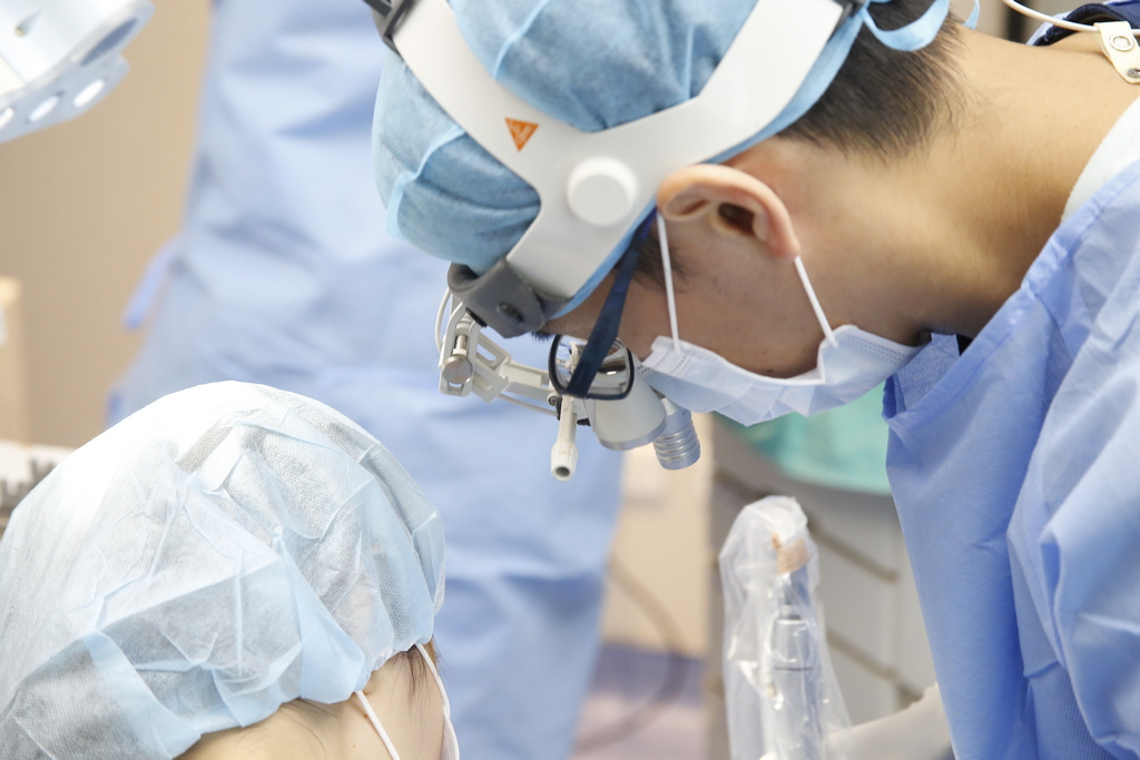 什麼是根管治療?本文簡單介紹根管治療與抽神經