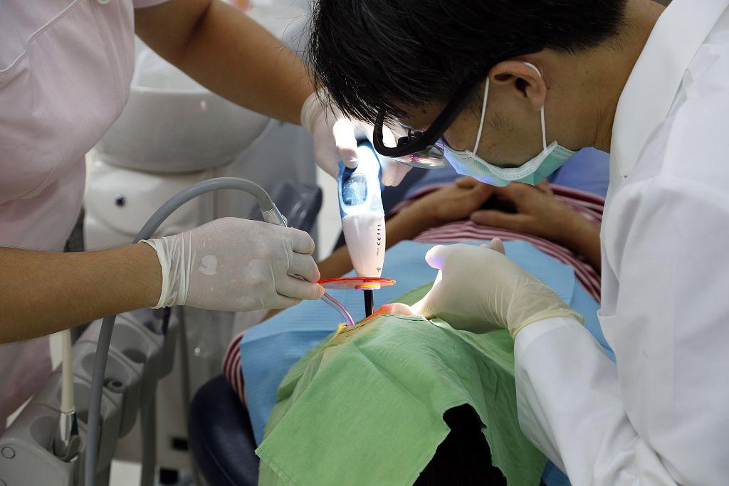 牙齦流血 費用,怎麼辦 痛,症狀 費用,手術 牙齦流血,痛 費用,牙齦流血 預防,刷牙 拔牙,牙齦發炎 牙齦炎,口臭 傳染,補骨 預防