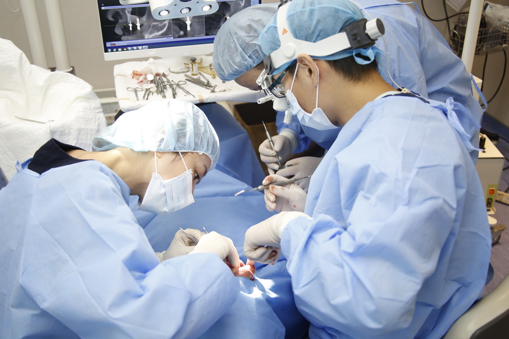 牙齒病變導致需要顯微根管治療嗎?顯微根管治療後要注意這「四件事」!