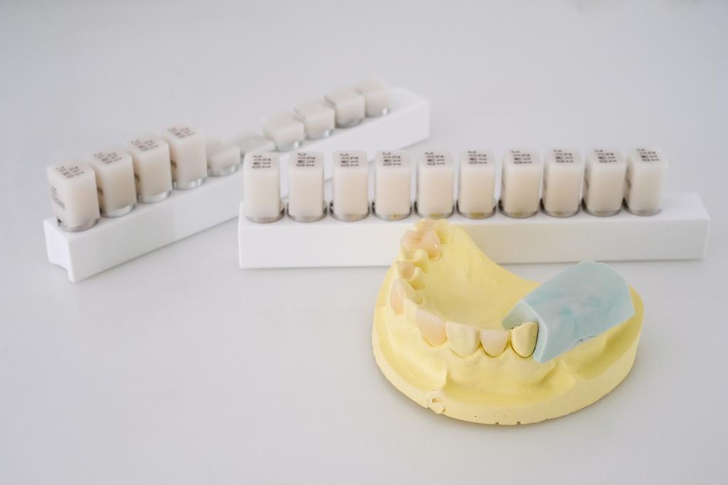 [牙周病介紹] 想要保持一口美牙?強化「牙周病知識」非常有效