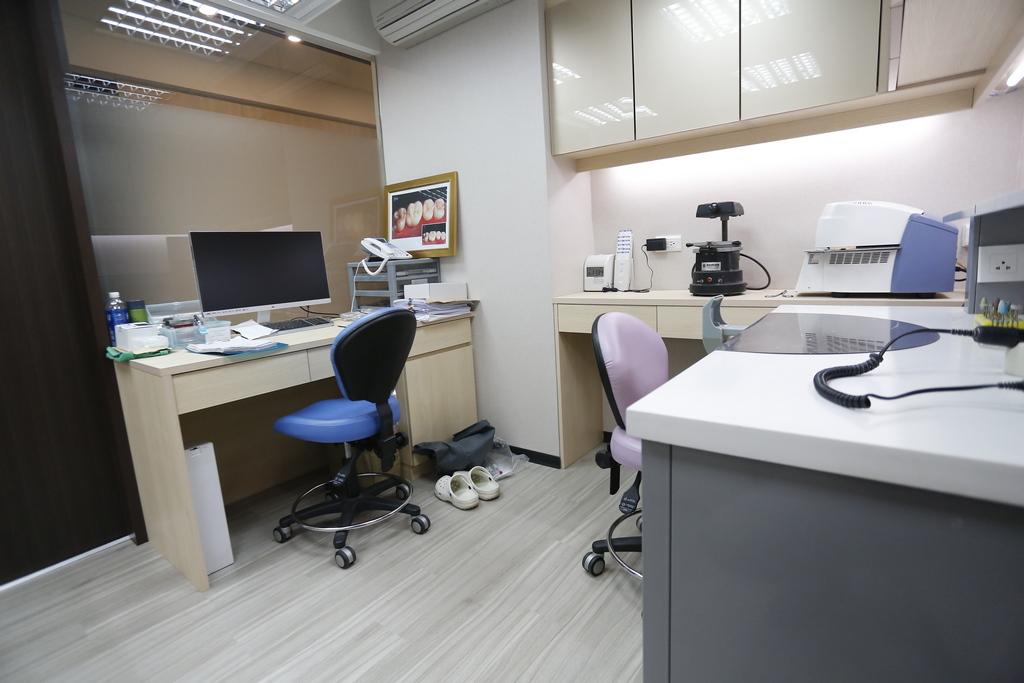 你了解全瓷牙冠嗎?讓牙醫專家來介紹全瓷冠的大小事!